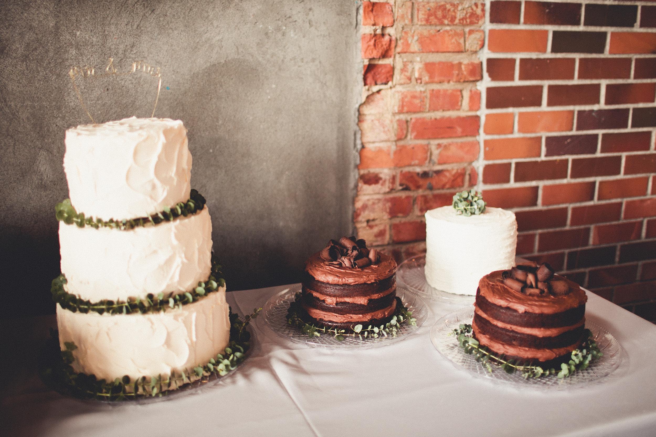 Photo Credit: Andria Lindquist Cake: Tracy Grant Cake Topper: Ellen Mauro