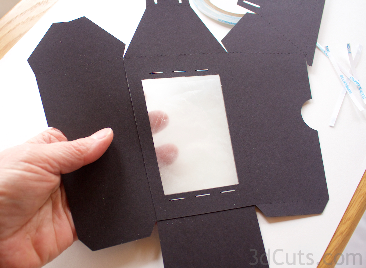 3D Lantern Banner SVG cutting file by 3dcuts.com. This tutorial is the assembly instructions to go with the cutting files for the Lantern Banner. For use with Silhouette and Cricut cutting machines. Files in SVG, PDF and dxf formats.