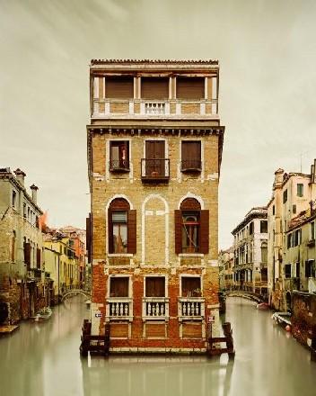 27_Island%20house_Venice_Italy_2010.jpg