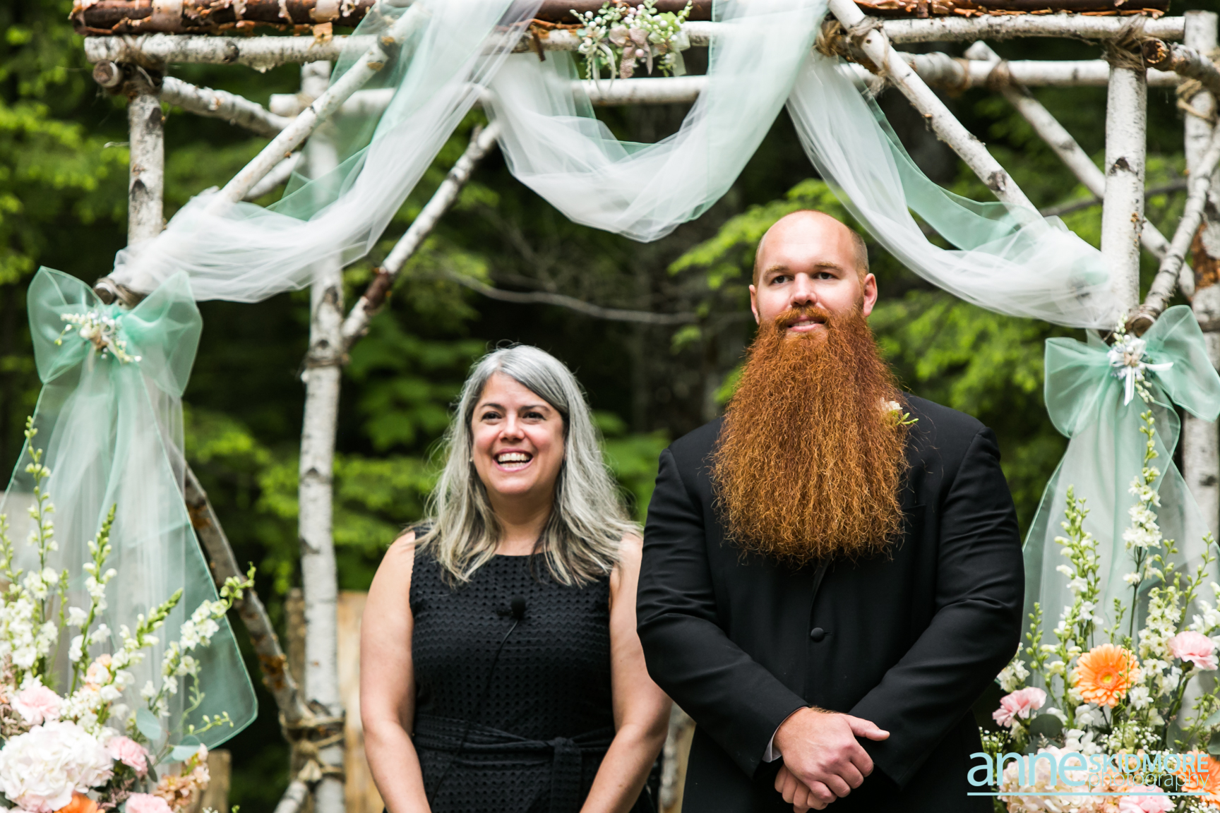 Norway Maine wedding officiant | Photo by Anne Skidmore Photography