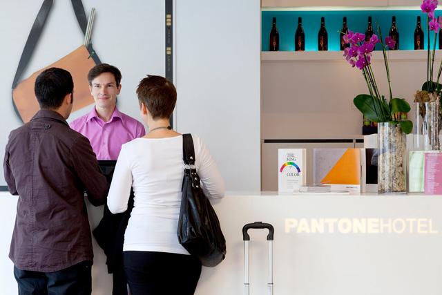 pantone-hotel-09.jpg