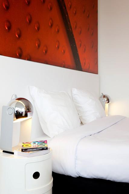 vert-pantone-hotel-12.jpg