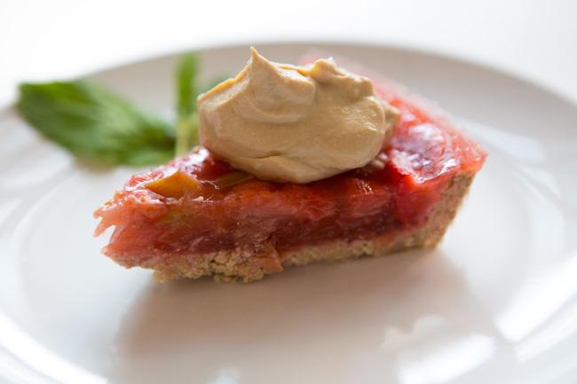 Delicious strawberry rhubarb pie