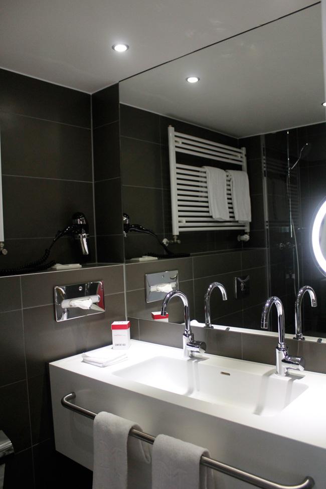 Bathroom at Dormero Hotel