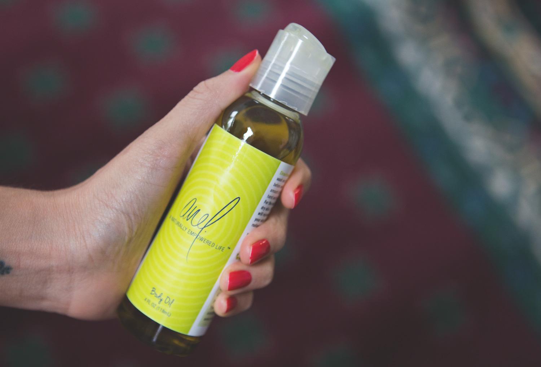 Using  Anel body oil