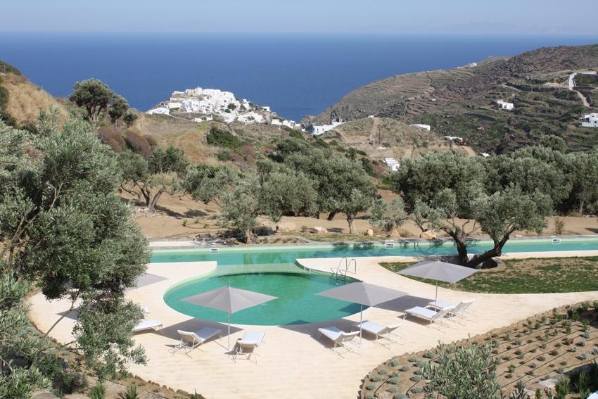 Our beautiful boutique hotel overlooks the Aegean Sea