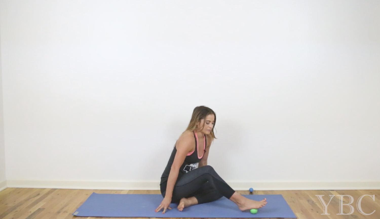 15 Minute Muscle Release Video  Wearing:  Sweaty Betty leggings (on sale!), YBC tank. Using:  Jade Yoga mat .