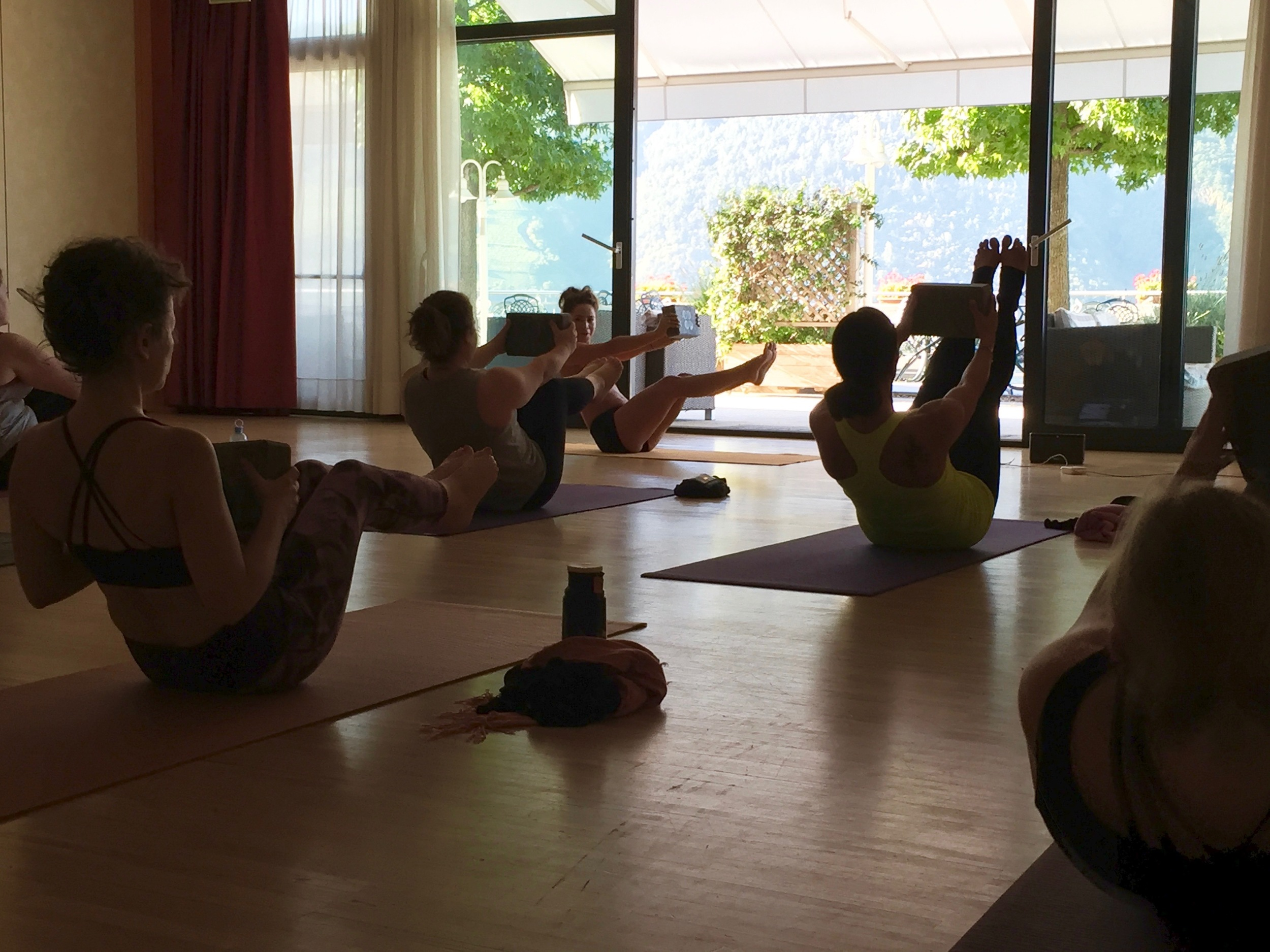 Candace putting the  Sweaty Betty  blocks to good use with some fun core work!