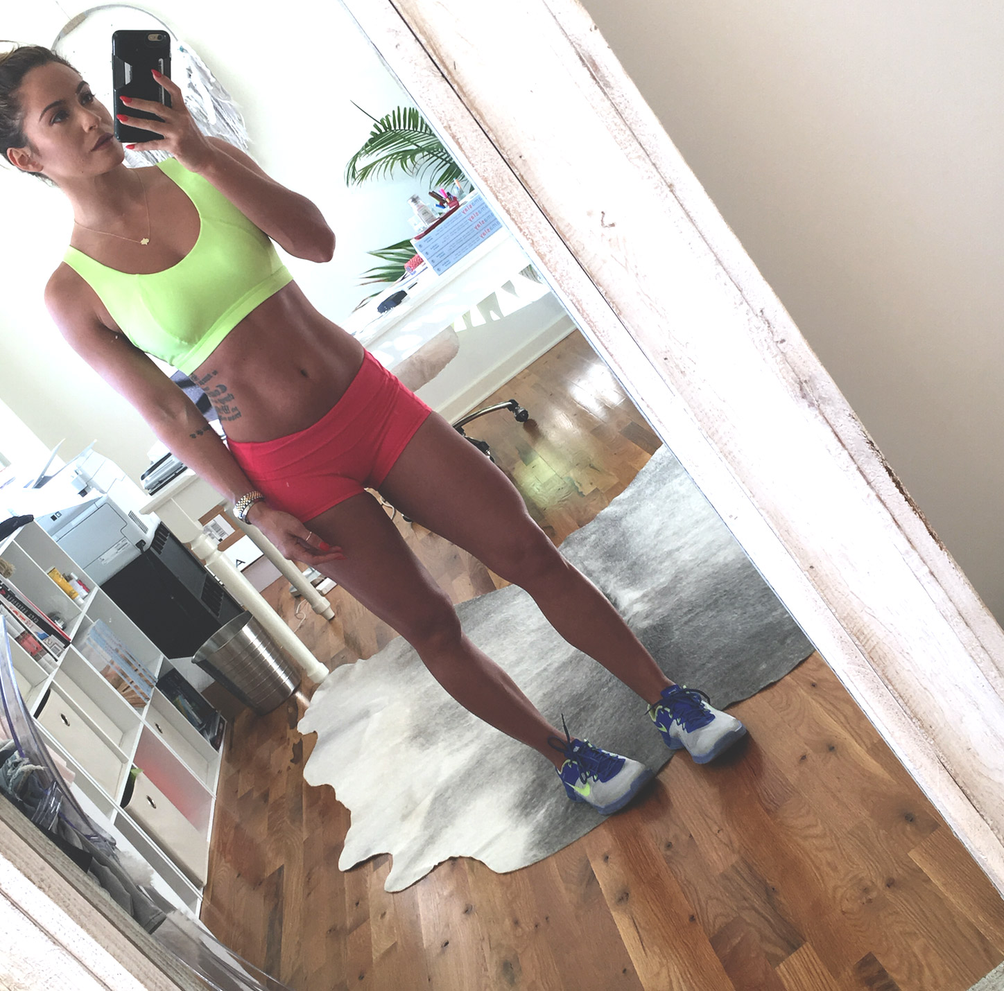 Workout Wednesday - a week of workouts in case you're in a workout rut  Wearing:  Sweaty Betty bra ,  Lululemon shorts  and  Nike Metcons