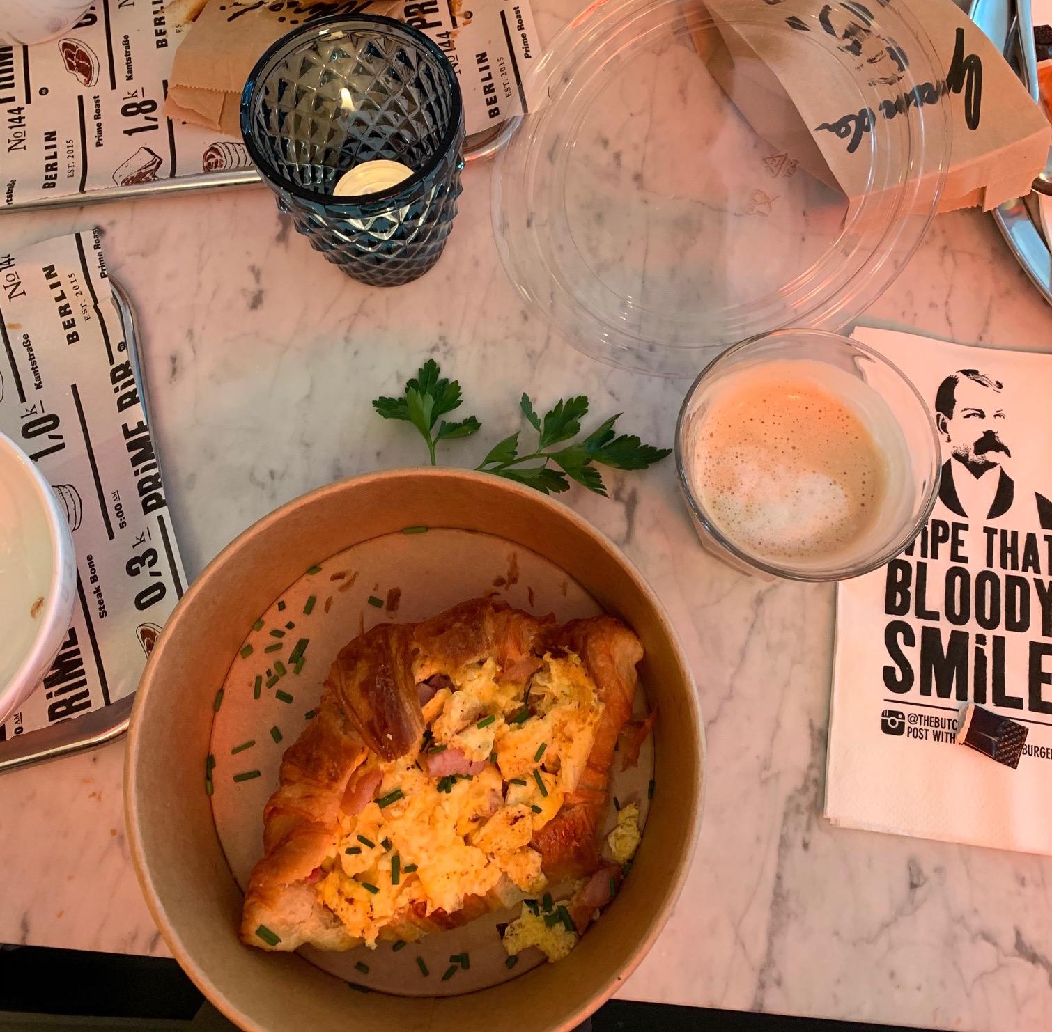 Lauren's Breakfast -  The Butcher  @  The Sir Savigny Berlin