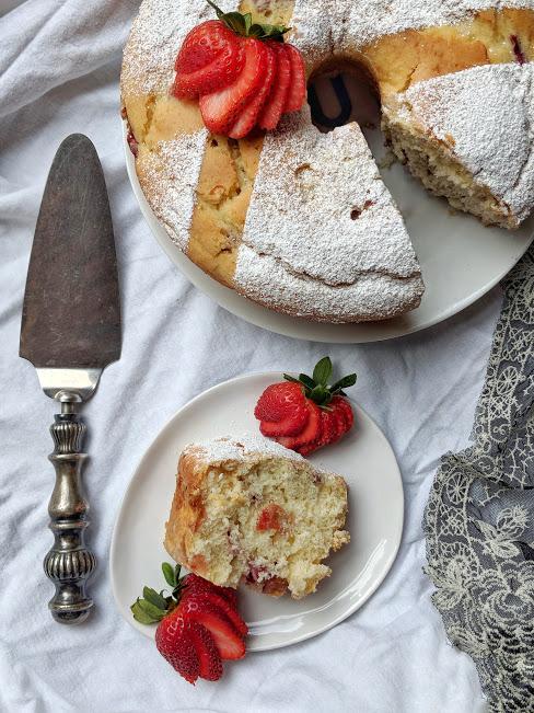 Strawberry Rhubarb Yogurt Cake