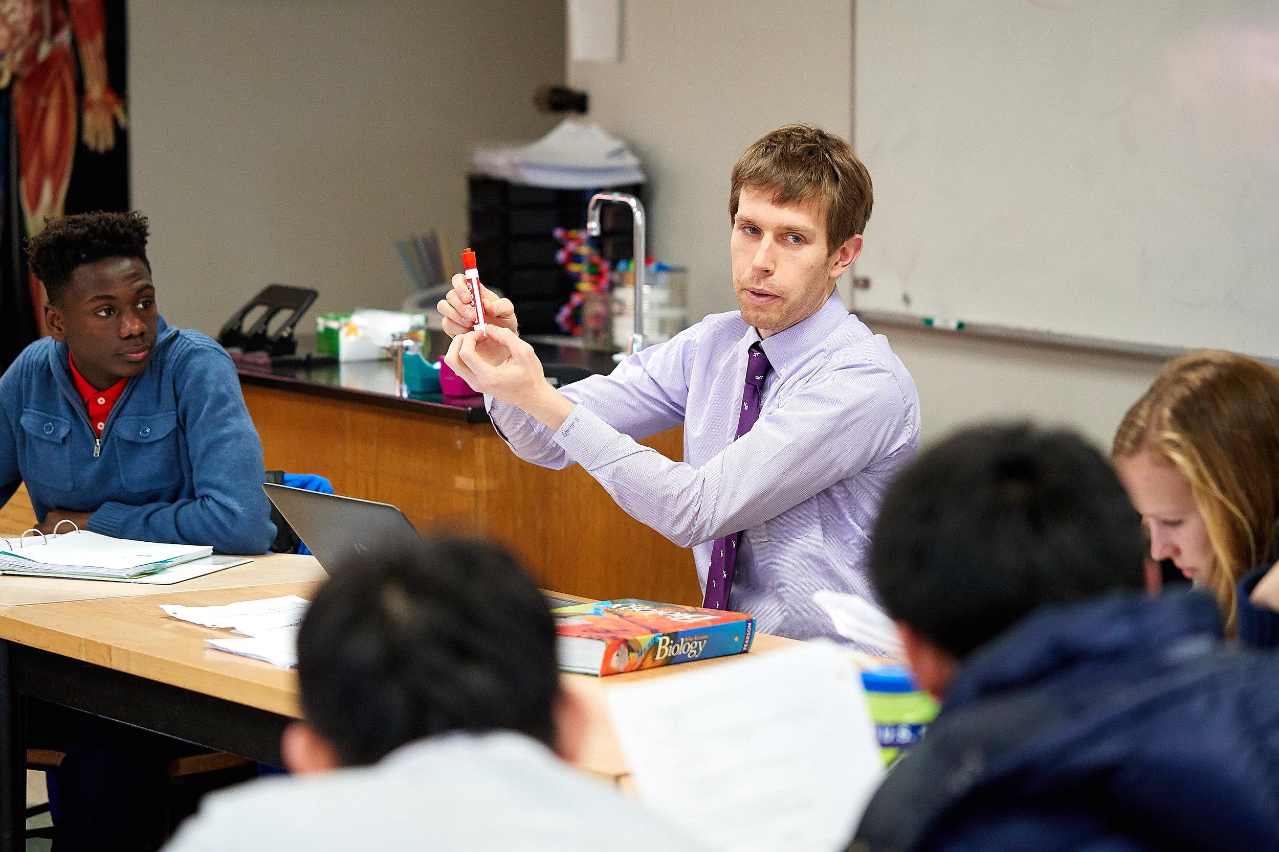 Eric Nemitz teaching Biology.