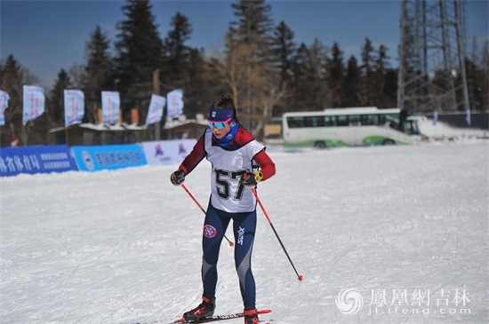 """Winter Olympics in Beijing, experience in Jilin - Sino-US students meet Changbai Mountain"" ski exchange activities."