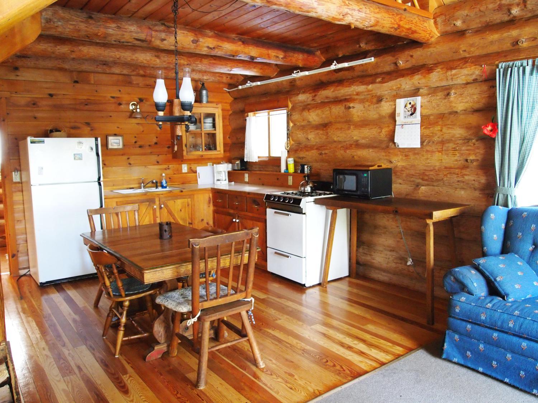 4_kitchen_1500x1125.jpg