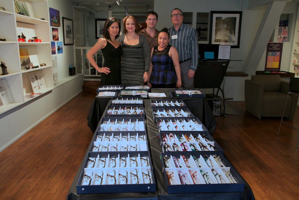 The Acuity staff welcomed former optician Anna back for the day, as well as Jeremy from ProDesign.