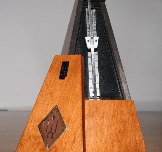 Wooden_Metronome.jpg