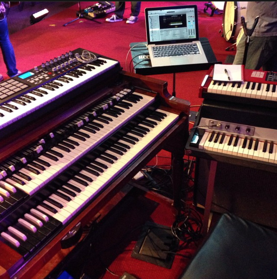 This past weekend I used an Akai 61 key controller with my MainStage 3 rig for a women's conference in St. Louis. Loved the rest of the rig, too- there's nothing like vintage gear!