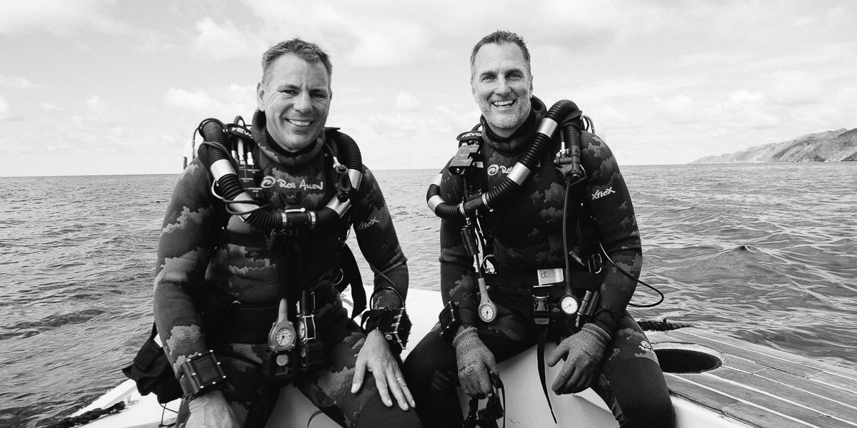 Underwater Cameraman Roger Horrocks and Hugh Pearson Misool.jpg