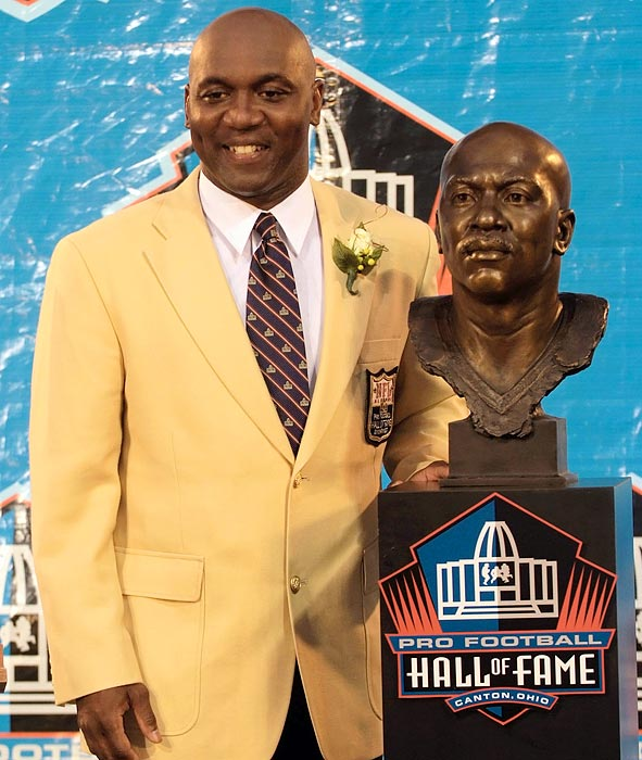 Appearance by Thurman Thomas, NFL Hall of Fame Running Back. Also hanging out in the Monster VIP area!
