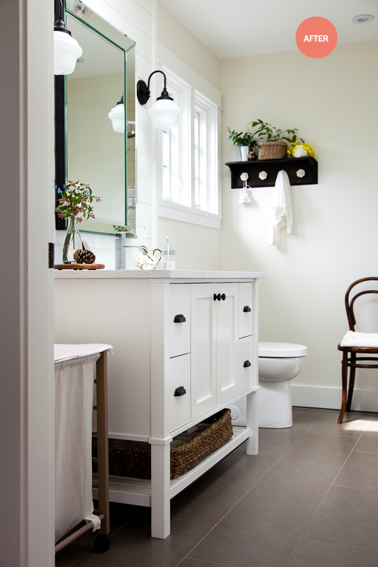 kiddo's bathroom: thehousediaries.com