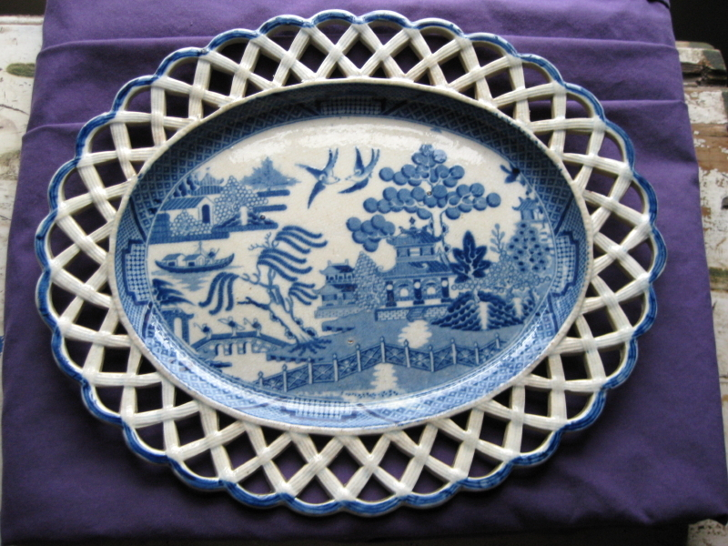 1800s reticulated blue Staffordshire Platter. Blue Willow design.