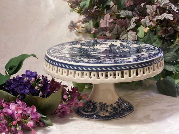 Blue Willow style Cake Pedestal