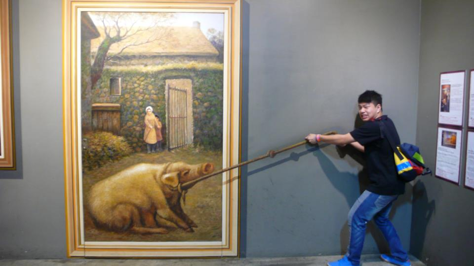 Photo Source: Chunyin Jonathan Chan © Jonathan moving stubborn pig.