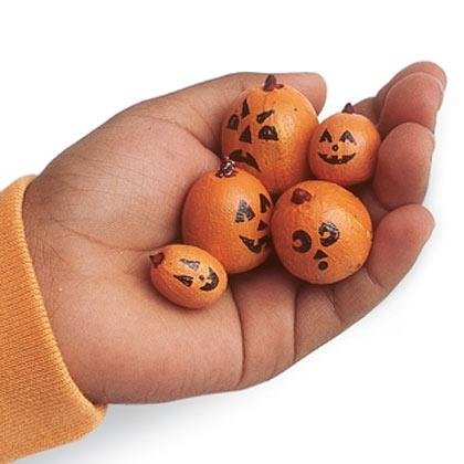 Small pumpkins for small hands need not even be pumpkins but acorns .