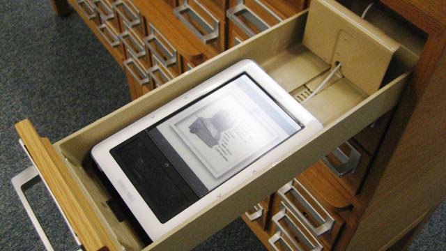 E-Reader Storage