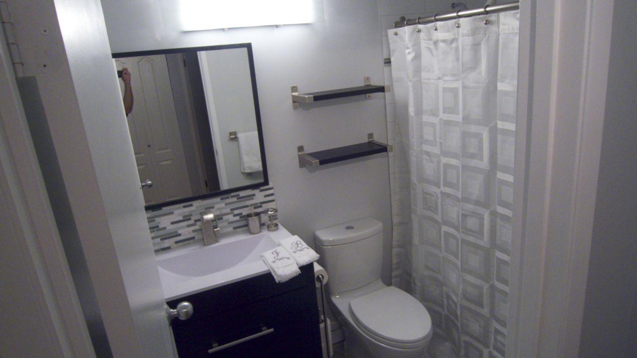 Bathroom  26259.jpg