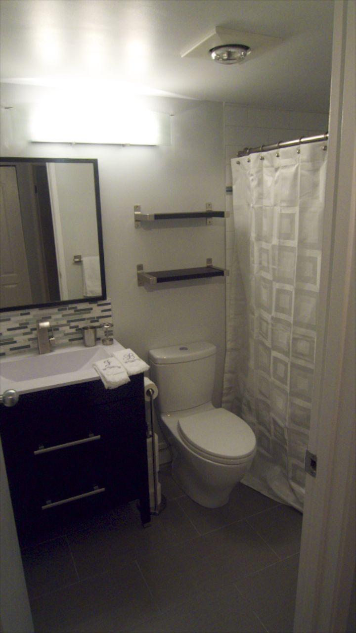 Bathroom  26255.jpg