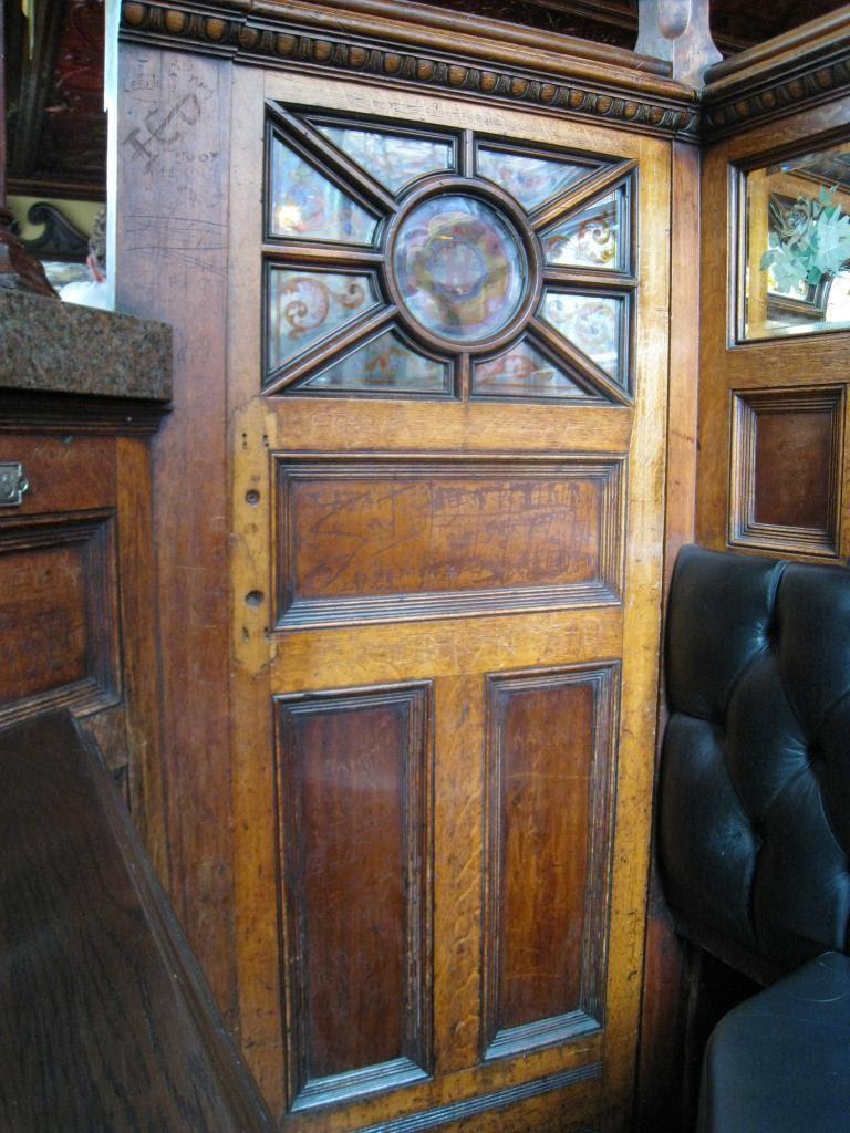 """Detail of the """"snugg"""" door."""