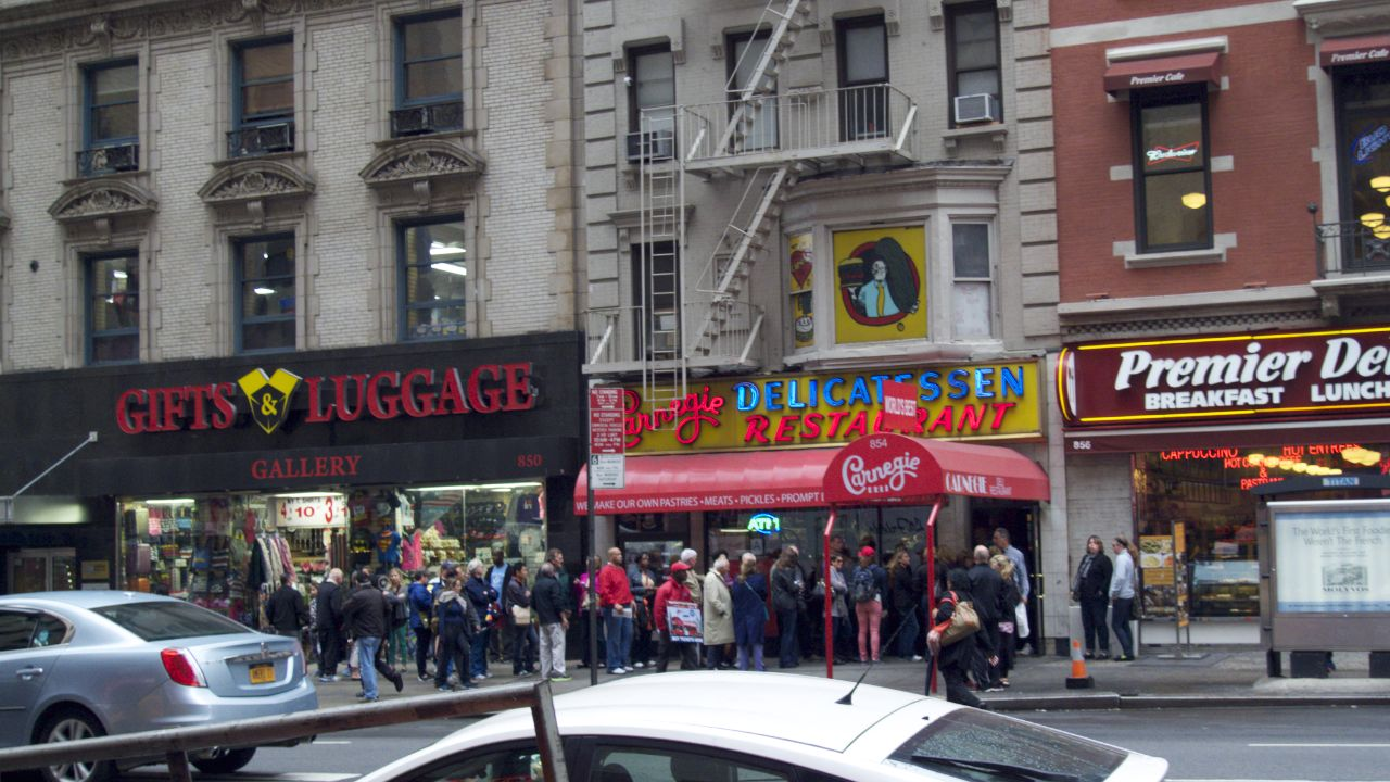 As much as I love the place, I don't wait in lines for a restaurant.
