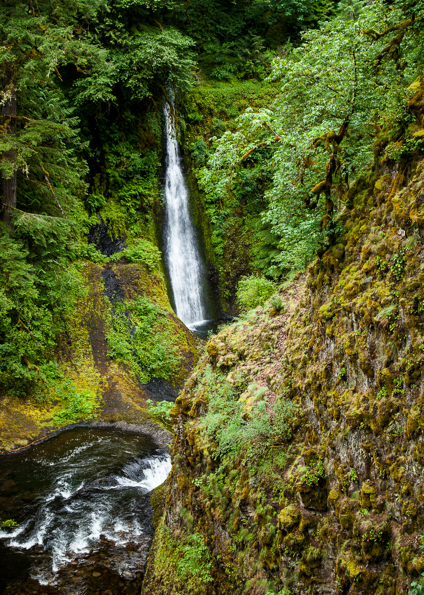 A slightly different view of Loowit Falls.