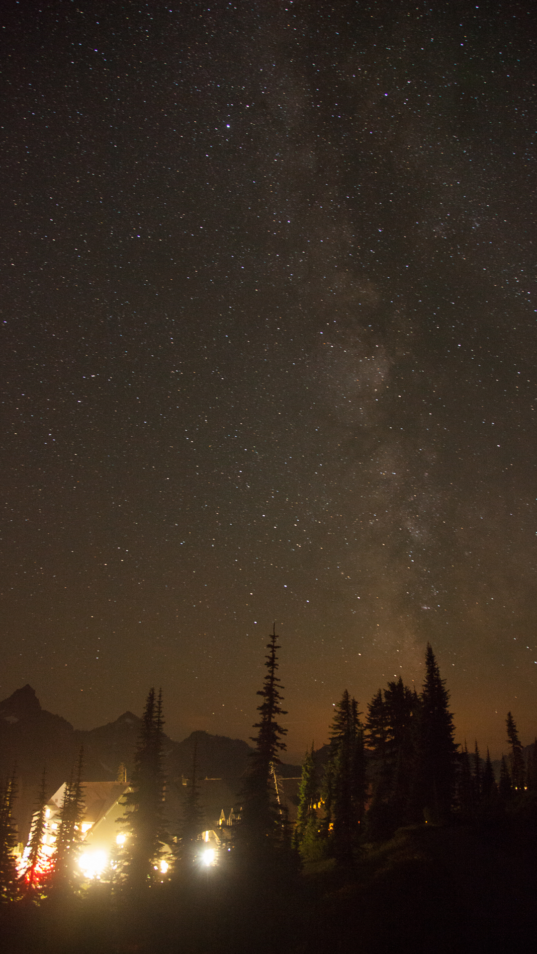 The Inn at Paradise causes some pretty good light pollution, but you can stills ee the Milky Way.