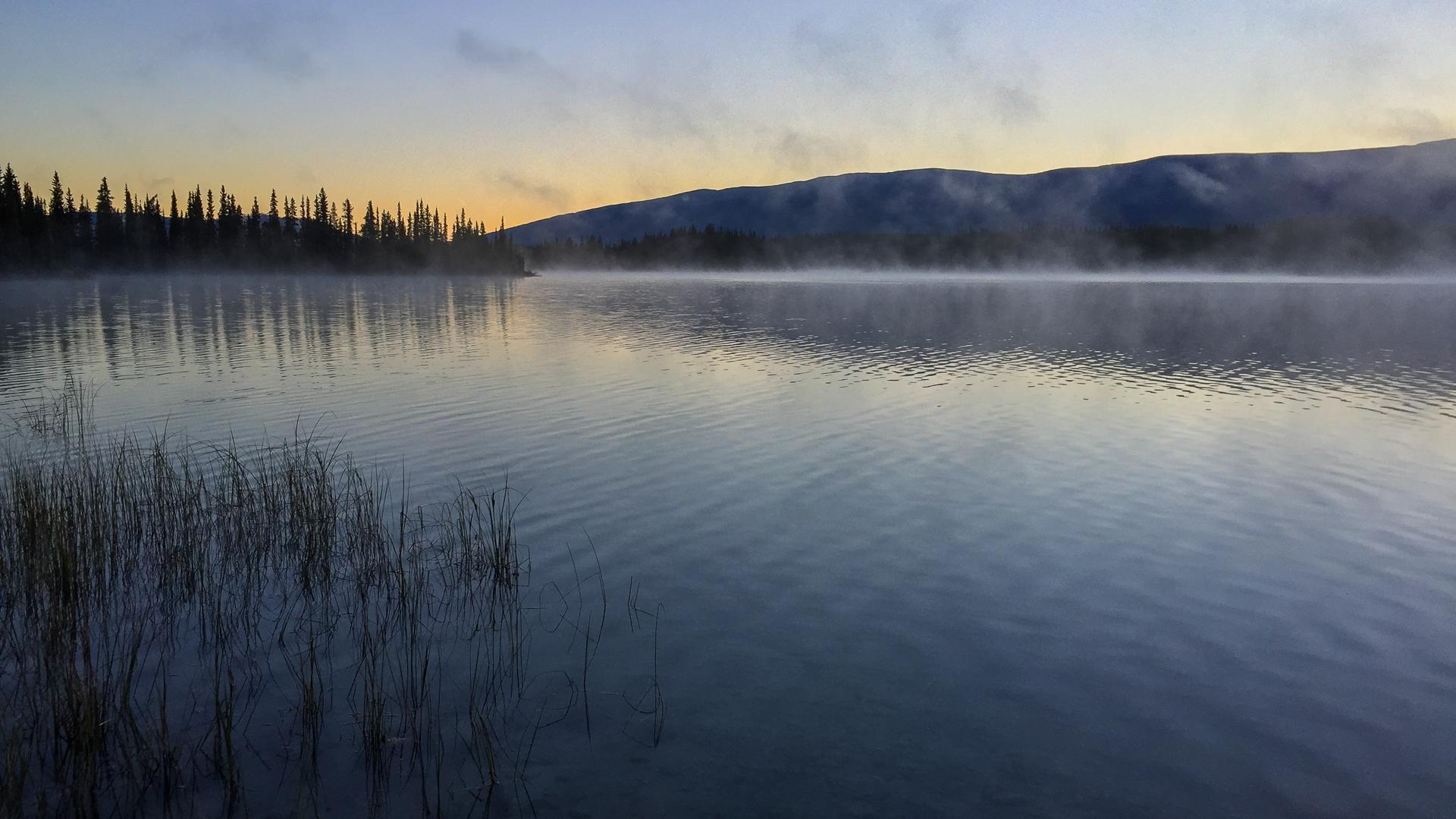 A beautiful early morning on Boya Lake
