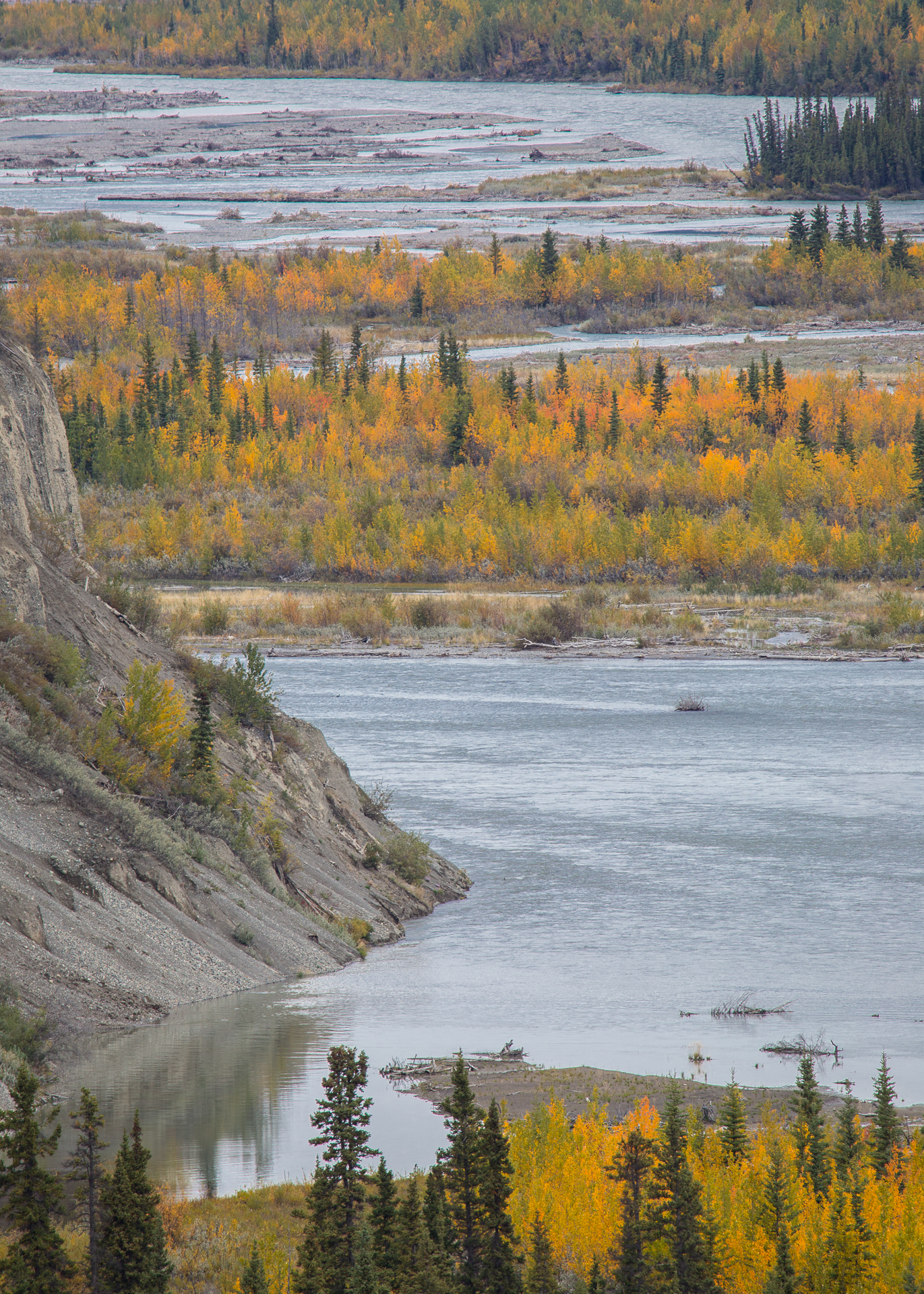 A detail of the valley floor, from the Kluane River viewpoint.