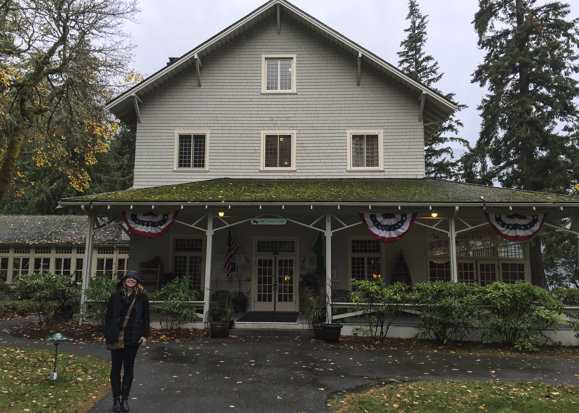 Justine standing out front of Lake Crescent Lodge.