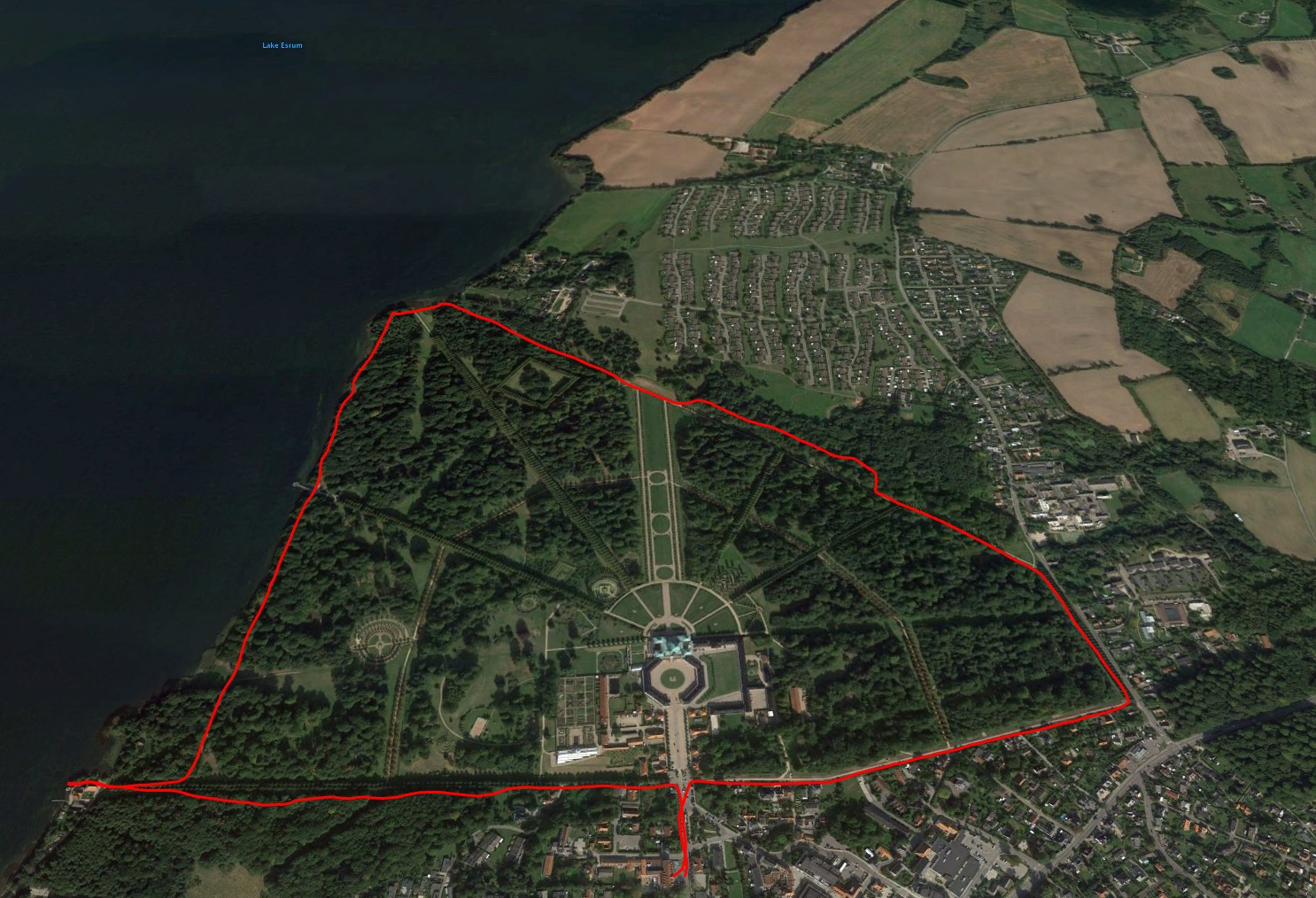 A map of the run I did around the palace grounds the next morning.