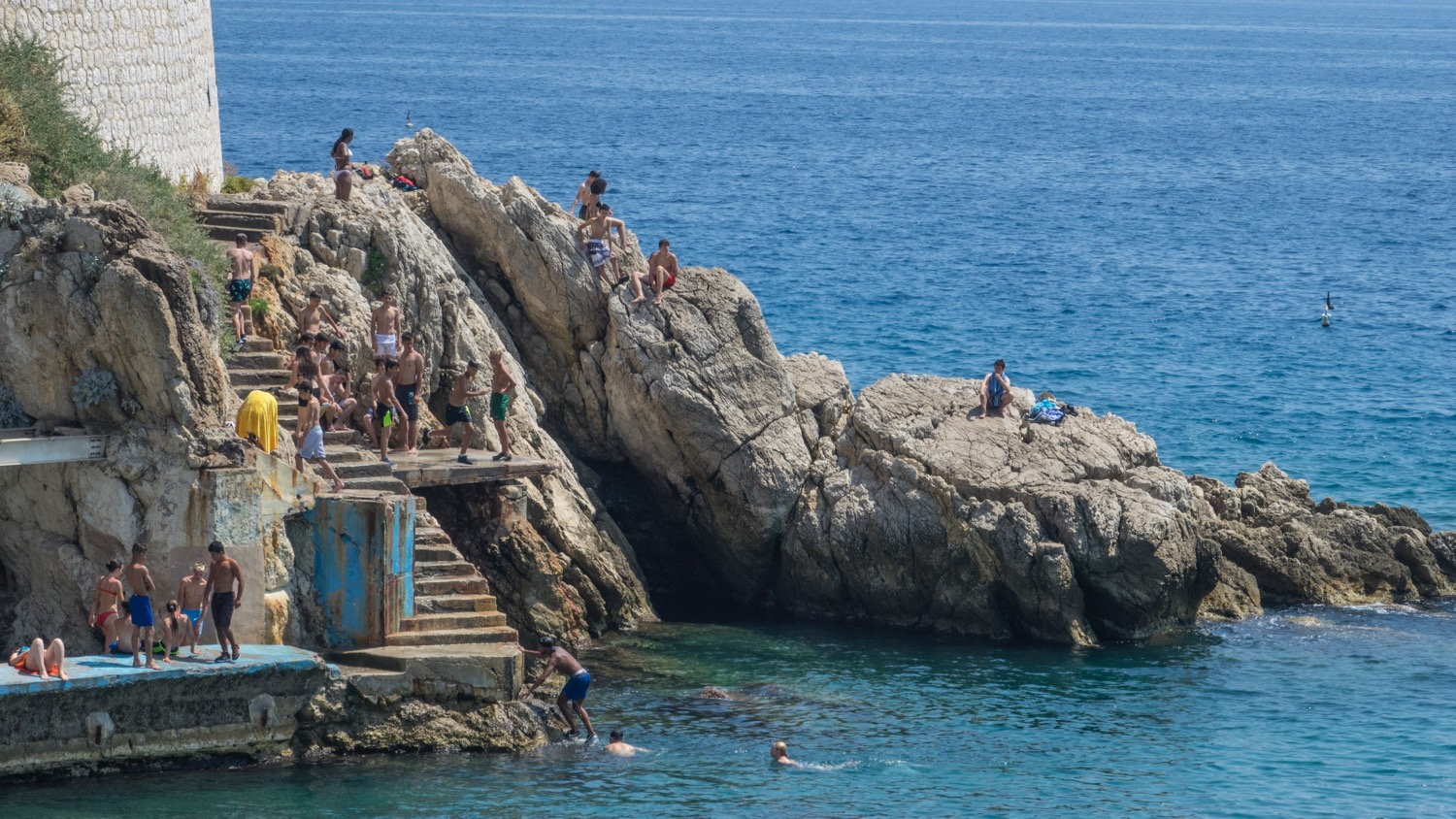 There were lots of people showing off their cliff diving skills
