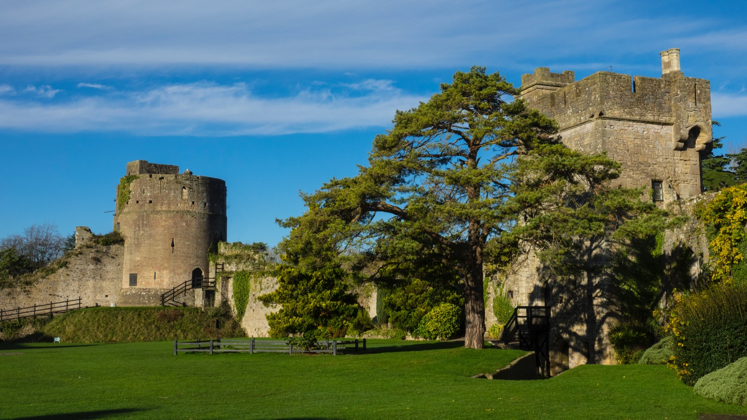 Inside the main gates, there was a lovely lawn and access to more of the fortifications.