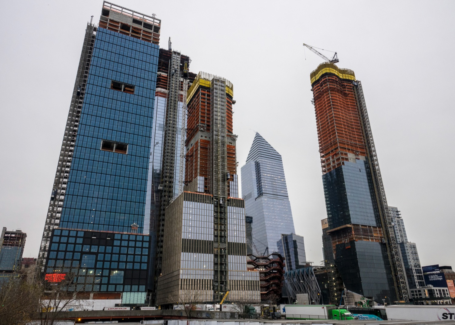 Hudson Yards is the largest private real estate development in the history of the United States and the largest development in New York City since Rockefeller Center. The site will include more than 18 million square feet of commercial and residential space, state-of-the-art office towers, approximately 4,000 residences, 14 acres of public open space, a 750-seat public school and a luxury hotel with more than 200 rooms.