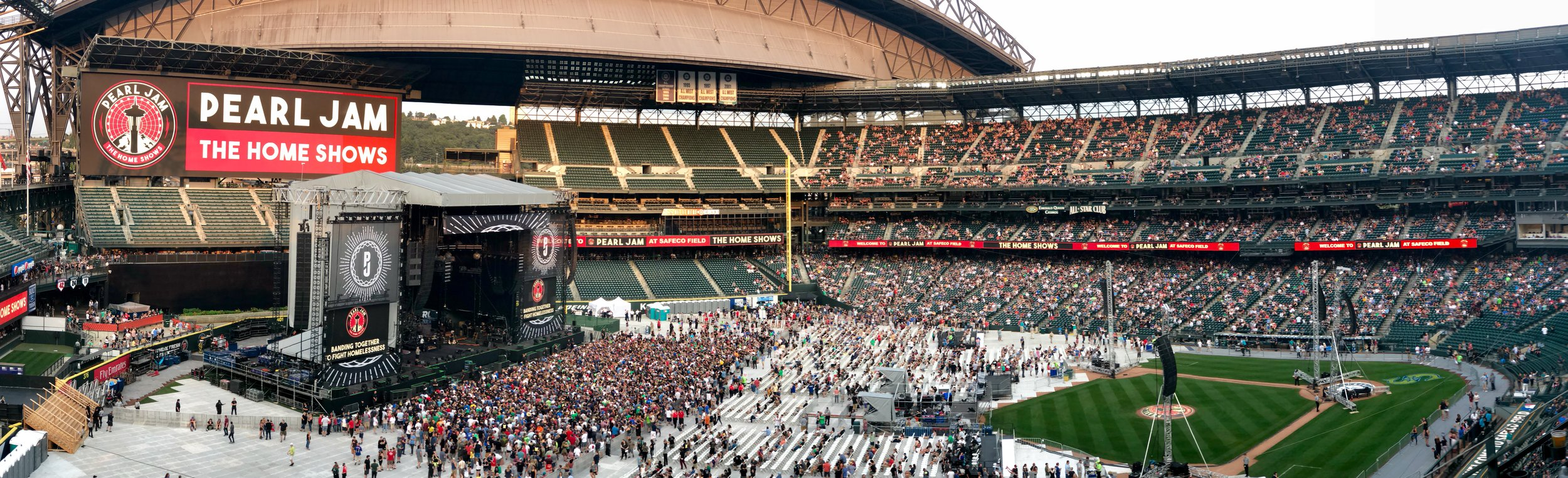 Pano of the stadium just before show time.