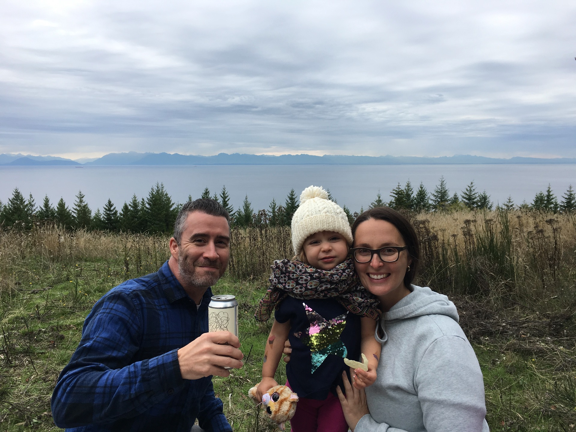 Our friends Stuart, Jo and their daughter Sova came with us for the weekend. After getting off the ferry, we headed up to show them the new property.