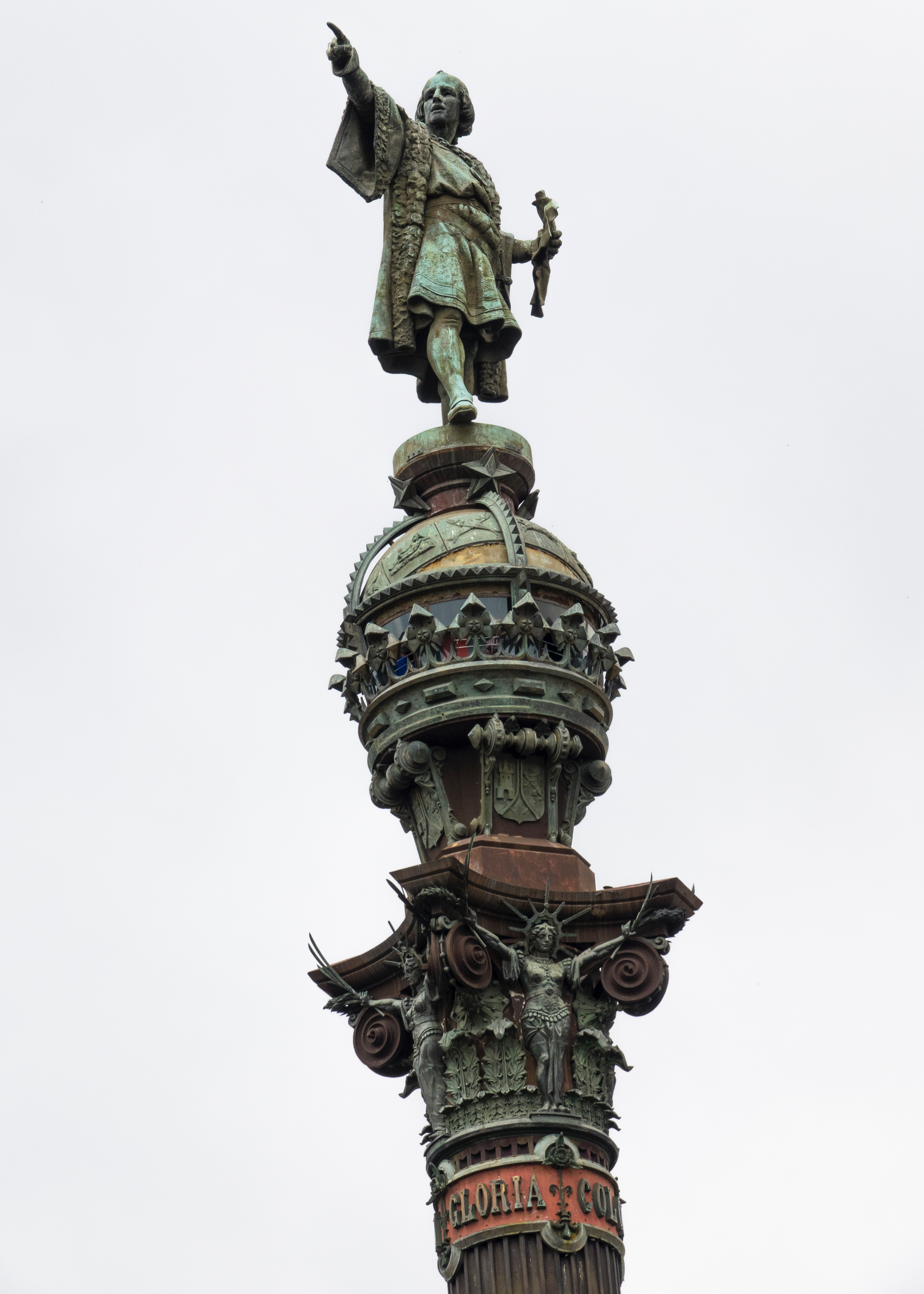 The monument serves as a reminder that Christopher Columbus reported to Queen Isabella I and King Ferdinand V in Barcelona after his first trip to the new continent.