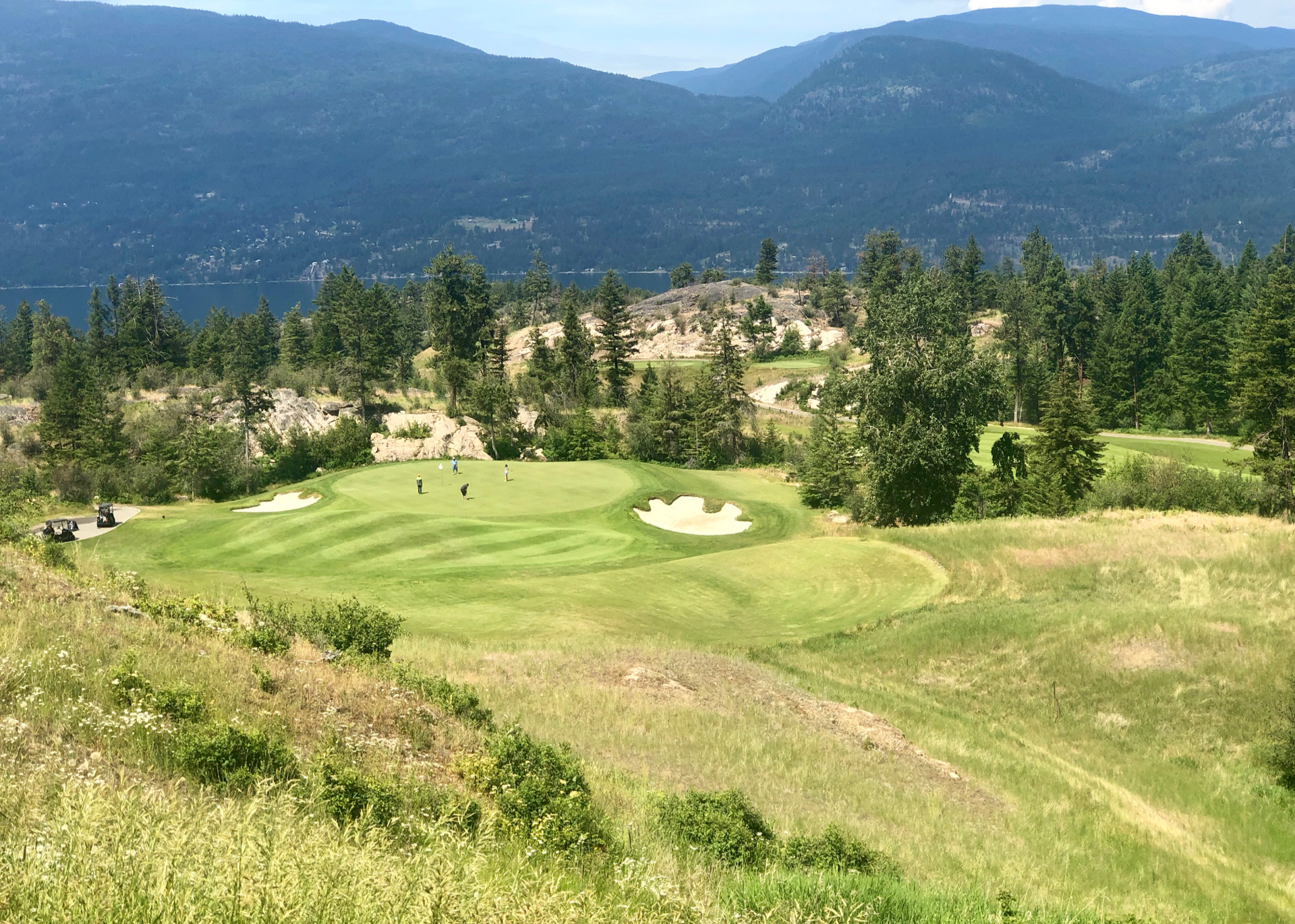 The most dramatic of the downhill par 3s
