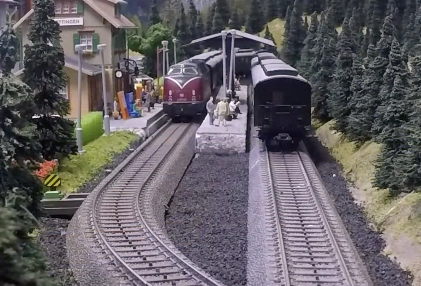 Russ's Rainy Day Railroad … managed by an Artificially Intelligent software system. Come and visit this advanced model.