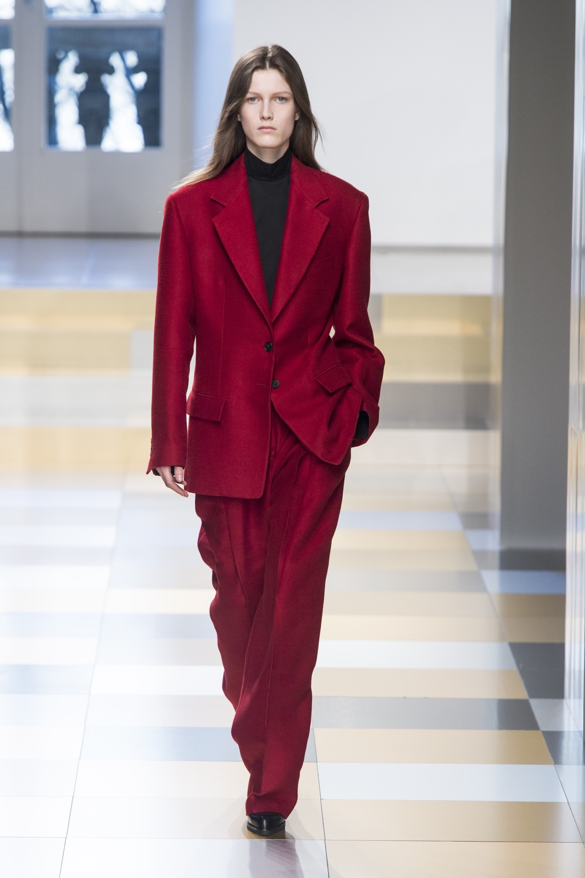 Trends : The Power Of Red, Jil Sander AW17 image via BOF