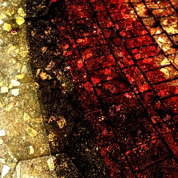 mobile art: rusty textures