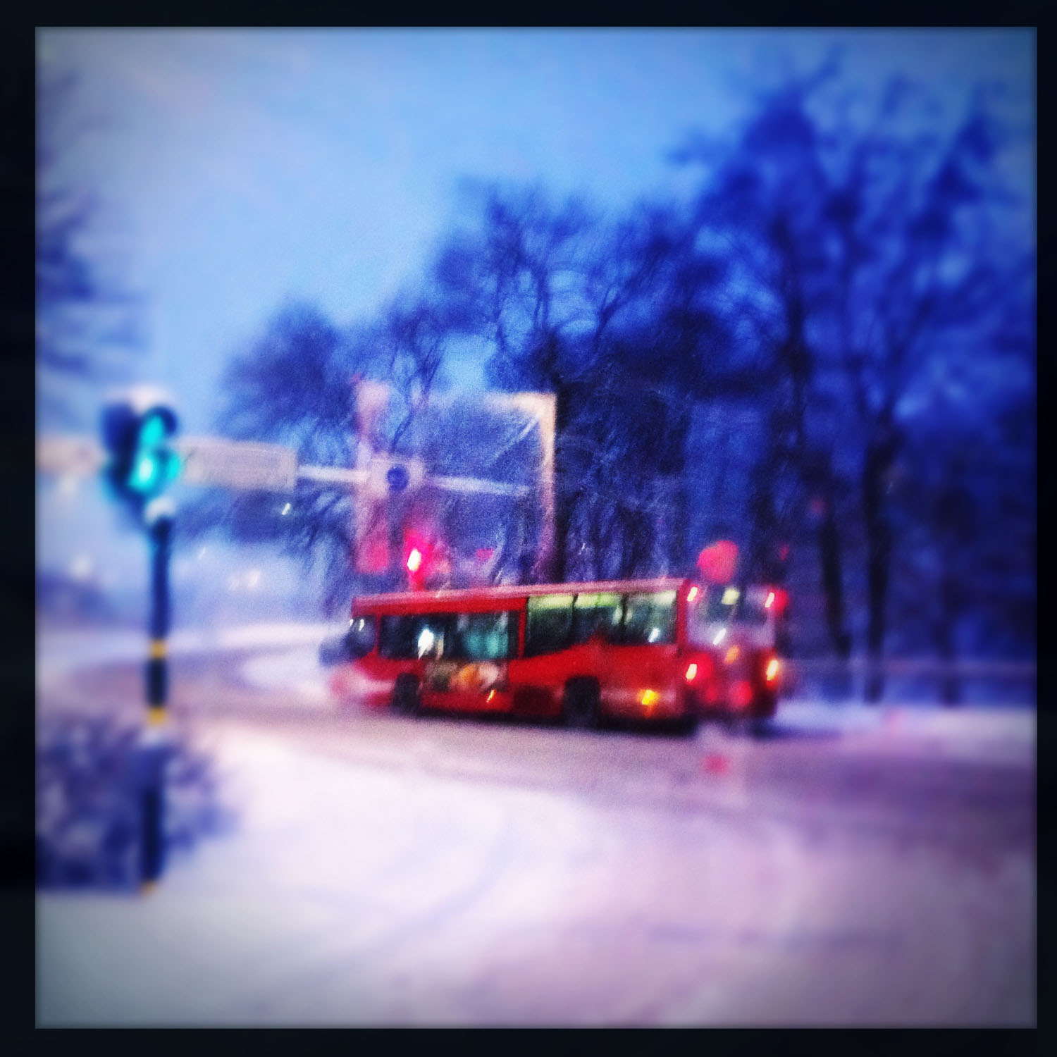 mobile photography: bus in snow